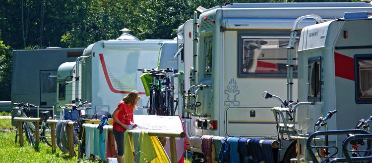 Caravaning: Abgesichert auf Tour und Campingplatz