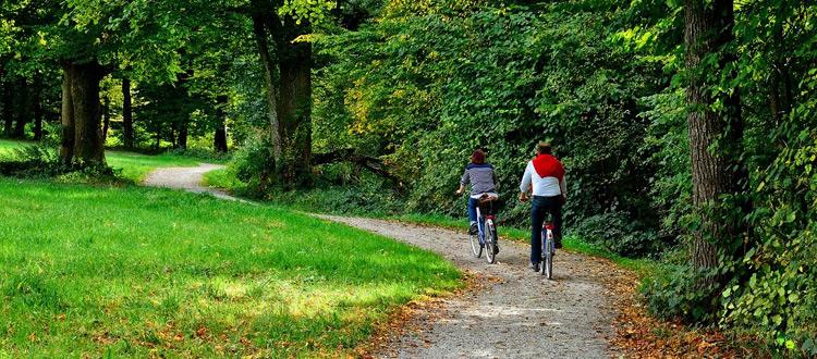 Corona-kompatibel reisen: Mit dem Fahrrad – Der ARAG Tipp zum Wochenende: Urlaub mit dem Drahtesel